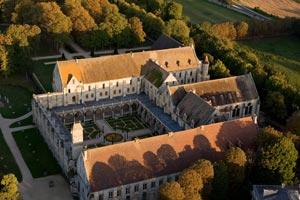Visite de l 39 abbaye parc jardins royaumont abbaye for Visite de jardins en france