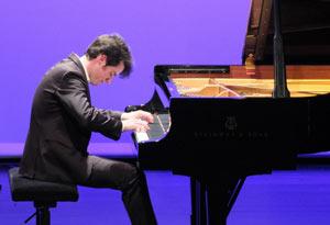 FRANCOIS MOSCHETTA, PIANO, Lieu : ESP.CROIX BARAGNON - SALLE BLEUE