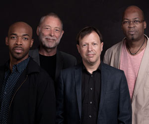 AZIZA FEAT DAVE HOLLAND, CHRIS