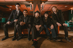 JOSH HOYER & SOUL COLOSSAL
