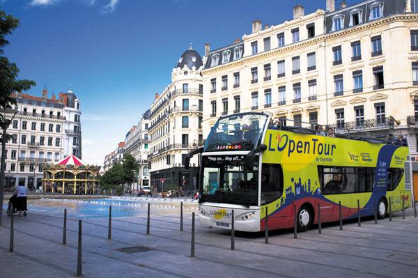 LYON L'OPENTOUR (LGT2) Départ Place Bellecour voyage, excursion