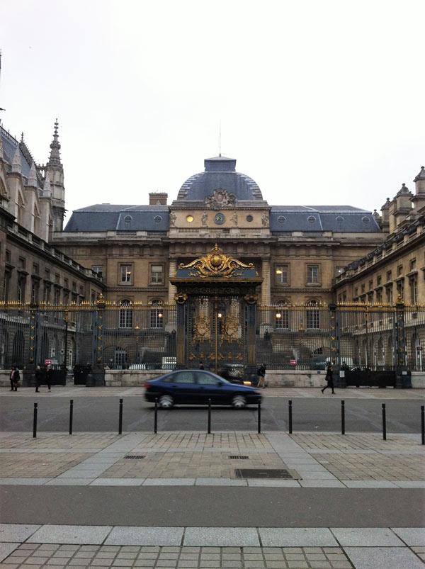 VISITE INSOLITE - PALAIS DE JUSTICE RDV METRO CITE visite de monument