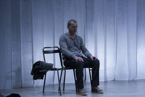 UN OBUS DANS LE COEUR L'ESCALE pièce de théâtre contemporain