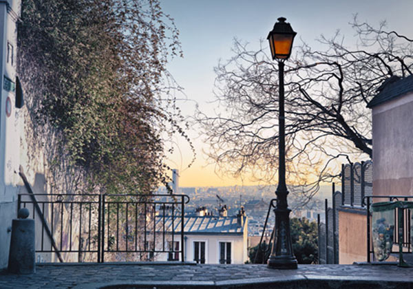 MONTMARTRE GUIDE (MVG)