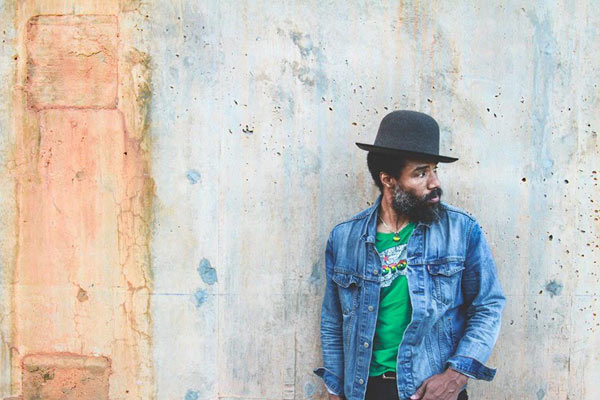 CODY CHESNUTT + SPOEK MATHAMBO