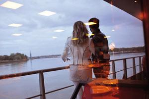 DINER ROMANTIQUE Ponton Bordeaux River Cruise événement