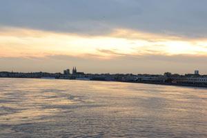 DEGUSTATION AU FIL DE L'EAU Ponton Bordeaux River Cruise événement